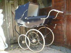 Silver Cross Prams, Vintage Pram, Prams And Pushchairs, Tudor Rose, Baby Prams, Baby Carriage, Baby Strollers, My Favorite Things, Cos