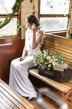 Carnets de mariage - Robes de mariée - Collection 2016 - Paris | Modèle: Ensemble n°14 | Photographe: Yann Audic - Lifestories | Donne-moi ta main - Blog mariage