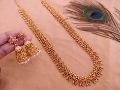 shipping extra watsapp on or Direct message for place . Jewelry Design Earrings, Gold Earrings Designs, Anklet Jewelry, Fashion Jewelry Necklaces, Necklace Designs, Gold Jewelry Simple, Gold Wedding Jewelry, Gold Jewellery, Indian Jewelry Sets