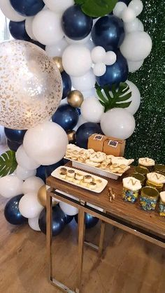 Navy, green and gold safari themed baby shower, safari themed baby shower cake and dessert table, balloon garland Safari Baby Shower Cake, Deco Baby Shower, Baby Girl Shower Themes, Baby Shower Decorations For Boys, Baby Shower Balloons, Baby Shower Cakes, Baby Shower For Boys, Party Decoration Ideas, Navy Baby Showers