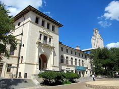 Conservative Group to Hold Mock Immigration Sting at UT  There are a reported 600+ undocumented students enrolled at UT Austin.