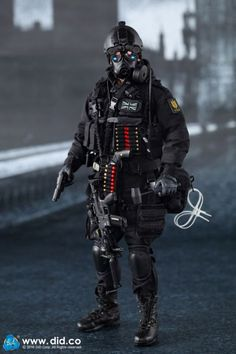 Sas Special Forces, Military Special Forces, Special Air Service, Tactical Wear, Military Action Figures, British Armed Forces, Green Beret, Fire Powers, Military Gear