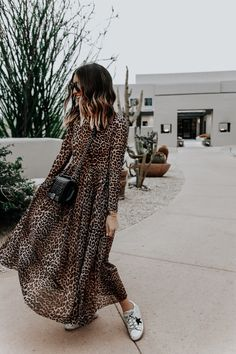 love this leopard dress so much 🐆❤️ sharing our tips for shopping on Mode Outfits, Chic Outfits, Fashion Outfits, Fashion Tips, Moda Fashion, Womens Fashion, Look Boho Chic, Look Retro, Inspiration Mode