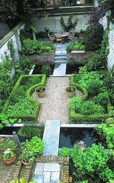 Compact garden design / repinned on toby designs More #courtyardgardens #gardeningdesign #GardeningDesign