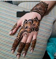 Beautiful and Stylish Henna Mehndi Designs for Hand - Kurti Blouse Rose Mehndi Designs, Latest Arabic Mehndi Designs, Back Hand Mehndi Designs, Henna Art Designs, Mehndi Designs For Girls, Mehndi Designs For Beginners, Modern Mehndi Designs, Mehndi Design Photos, Mehndi Designs For Fingers