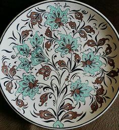 Traditional Tile, Turkish Tiles, Cross Stitch Flowers, Tile Art, Porcelain Tile, Pottery, Tableware, Color, Decorative Plates