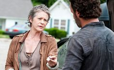 'The Walking Dead': Showrunner Scott Gimple weighs in on Rick vs. Carol debate | EW.com
