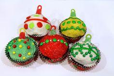 Cute As a Fox: Christmas Ornament Cupcakes