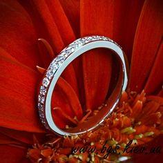 обручальные кольца из белого золота «Тиффани» с бриллиантами