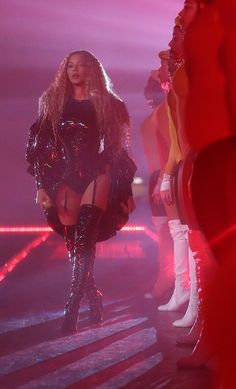 Beyonce Fans, Beyonce Style, Beyonce And Jay Z, Beyonce Formation Tour, Beyonce Pictures, Neon Girl, Dance Moms Dancers, Beyonce Knowles Carter, Celebs