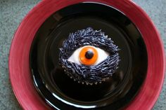 Eye cupcake, great for Halloween