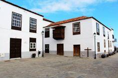 San Juan de la Rambla - Tenerife Tenerife, Mansions, House Styles, Home Decor, Canary Birds, Canary Islands, San Juan, Teneriffe, Mansion Houses