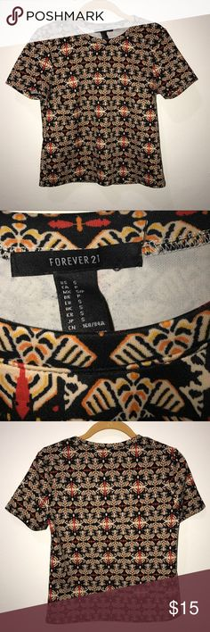 Forever21 Top Short sleeve designed Top from Forever21 size small. Forever 21 Tops Tees - Short Sleeve