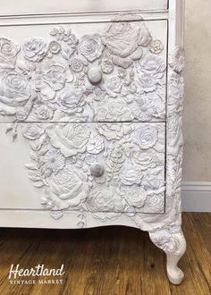 Flower Power Chest of Drawers Funky Furniture, Paint Furniture, Upcycled Furniture, Furniture Makeover, Furniture Design, Iron Orchid Designs, Paperclay, Furniture Inspiration, Decoration