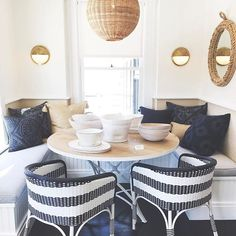Navy & natural: a color pairing we love. Enjoy up to 25% off select dining for a limited time. #serenaandlily #diningroomdecor #SLwestport (Link in bio to shop)