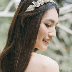 【being_of_love】さんのInstagramをピンしています。 《金色蕾絲施華洛水晶珍珠花朵頭飾 - You can now buy it on Pinkoi Photo: Namnam Lam @namnam_lam Makeup & hair styling: Joey Makeup Atelier @joeylai322 Gown: Something Borrowed Bridal @somethingborrowed_bridal Bouquet: Whimsical Dream Flowers @whimsical.dream.flowers #beingoflove #beingolfovemillinery #headpiece #weddingadornments #hairaccessories #headband #weddingideas #weddingstyle #brides #hkmodel #model #handmade #hkig #hongkong #852 #pinkoi #新娘頭飾 #森林 #woodland #forest…