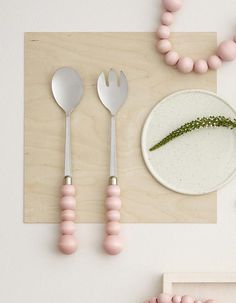 The heart of your home deserves the most beautiful, genuine kitchenware. Aarikka's bubbly, round shapes are echoed in important kitchen supplies and tableware. Kitchenware, Tableware, Kitchen Supplies, Marimekko, Bubbles, Table Settings, Sweet Home, Salad, House Design