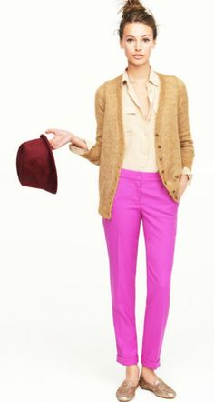 JCrew Fall Great Teacher Outfit/loose the hat though Looks Style, Style Me, Hot Pink Pants, Neon Pants, Short Beach Dresses, Latest Fashion For Women, Womens Fashion, Vogue, Colored Pants
