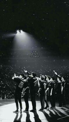 Thank you for the 5 years ! Kpop Exo, Chanyeol Baekhyun, Exo K, Park Chanyeol, Lay Exo, Foto Bts, K Pop, Exo Album, Exo Lockscreen
