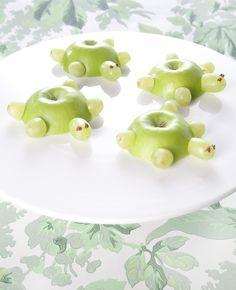 Kijk hoe leuk deze schildpadjes zijn! Gemaakt van appels en druiven.