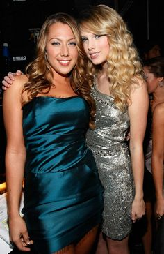 Taylor Swift Photos - 2008 American Music Awards - Audience And Backstage - Zimbio
