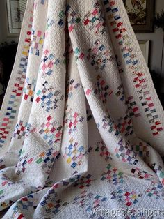 Showstopper TINY TINY PIECES Antique 1930s Vintage QUILT Excellent Condition