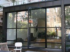 Afbeeldingsresultaat voor pui in garage Conservatory Extension, Steel Doors And Windows, Window Detail, Black Doors, Iron Doors, House Extensions, Patio Doors, Public Art, Exterior Colors