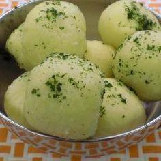 Halbseidene (Kartoffel Klöße)-- don't know what this is, but I wanna try it Tortellini, Eat Smart, Dumplings, Carne, Mashed Potatoes, Crockpot, Low Carb, Meals, Vegetables