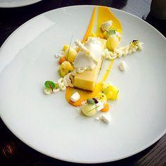 One of the guest Favorite desserts at @stregisbalharbour . Key lime pie coconut sorbet tropical fruit  coconut whipped ganache  mango Gel. Coconut rock passion fruit foam  coconut meringue #TagsForLikes #Bachour #bachourchocolate #bachourchocolatebook #bachoursimplybeautiful #chocolate #theartofplating #chefstalk #chefsofinstagram #gastroart #antoniobachour #bachour1234 by bachour1234