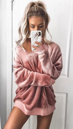 #winter #outfits pink v-neck suede sweatshirt
