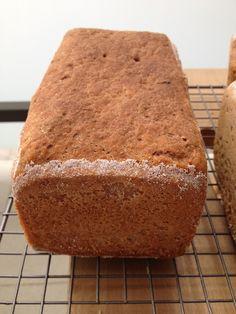 Esta receta es un re-make  de esta otra entrada de pan sin gluten con harinas de arroz semi-integral y trigo sarraceno que publiqué ha...