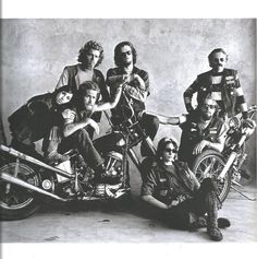 Irving Penn – Doug, Hells Angels (San Francisco), Appeared in Look magazine, January, – THE INCREDIBLES This Hell's Angels motorcyclist writes no songs of protest. Hells Angels, Irving Penn, History Channel, Robin Hood, Thompson, Motos Harley, L'art Du Portrait, Portraits, Portrait Ideas