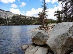 le lac Tenaya dans le parc national de Yosemite. La suite sur www.voyage-aux-etats-unis.com/j5-san-francisco-yosemite-park/