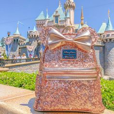 Alia Gurtov Minnie Mouse Rose Gold Back Pack available… ✨✨✨✨✨✨ NEW! Alia Gurtov Minnie Mouse Rose Gold Back Pack available at Disney Parks Disneyland Resort Disney World Outfits, Disneyland Outfits, World Of Disney, Disneyland Outfit Summer, Disney World Backpack, Disney Princess Outfits, Cute Disney Outfits, Disney Worlds, Disney Clothes
