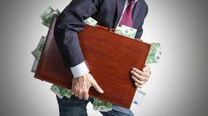 Η ελάφρυνση χρέους θα πλήξει τα κέρδη των ελληνικών τραπεζών   Αντίθετες με τα σχέδια του Ευρωπ...