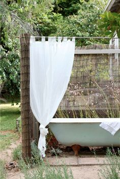 I know I don't live it the right climate, but I have always wanted an outdoor bath :) The Orchard Keepers Cottage at the Red Hill property of Lucy Hill and family – all photos Lucy Feagins via The Design Files Daily Outdoor Bathtub, Outdoor Bathrooms, Outdoor Rooms, Outdoor Gardens, Outdoor Living, White Bathrooms, Luxury Bathrooms, Master Bathrooms, Dream Bathrooms