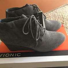 Vionic Shoes | Vionic Womens Elevated Becca Wedge Lace-Up 8w! | Color: Gray | Size: 8.5
