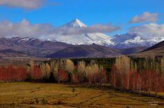 Volcán Lanín en otoño desde Junin de los Andes