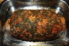 Niedźwiedzi schab kanapkowy , to doskonała wędlina domowej roboty . Zdrowa i pełna mięsa , aromatyczna i krucha . Polecam - to nie jest trudne . Smoking Meat, Sausage, Food And Drink, Pork, Beef, Dinner, Cooking, Women, Pork Roulade