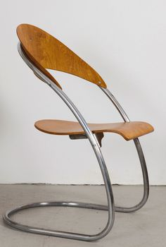 Hans and Wassili Luckhardt 'ST14' chair 1931