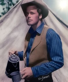 Trampas, The Virginian Doug Mcclure, James Drury, Best Hero, The Virginian, Tv Westerns, Vintage Tv, Baby Grows, Best Tv Shows, Classic Movies