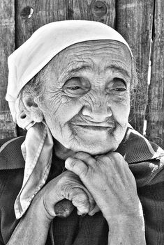 Best black & white #portraits of old people of the world