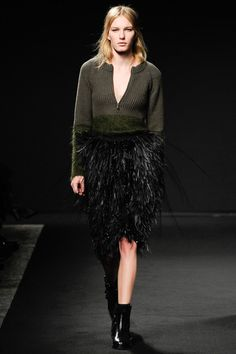 No. 21| Fall 2014 Ready-to-Wear Collection | Style.com