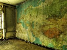 derelicte abandonalia 3 by Sterin, via Flickr. Originally published at http://abandonalia.blogspot.com/