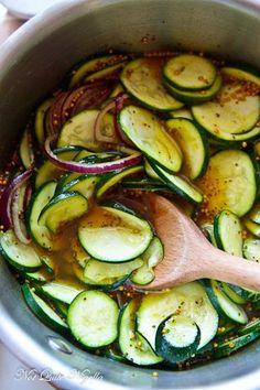 Preserving Zucchini, Canning Zucchini, Preserving Food, Zucchini Salsa, Zucchini Pickles, Pickled Zucchini, Yellow Squash Recipes, Zuchinni Recipes, Recipe Zucchini