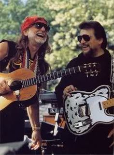 Listen to music from Waylon Jennings & Willie Nelson like Mammas Don't Let Your Babies Grow Up to Be Cowboys, Good Hearted Woman & more. Find the latest tracks, albums, and images from Waylon Jennings & Willie Nelson. Country Music Artists, Country Music Stars, Country Singers, Country Musicians, Texas Music, Outlaw Country, Waylon Jennings, Willie Nelson, I Love Music