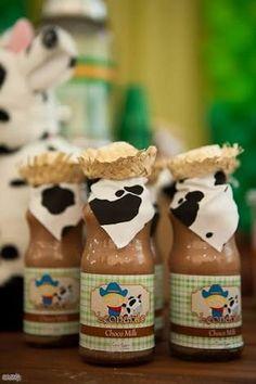 Resultado de imagen para fazendinha chocomilk Farm Animal Party, Farm Animal Birthday, Barnyard Party, Cowboy Birthday, Farm Birthday, Toddler Birthday Themes, First Birthday Parties, Birthday Party Themes, Farm Party Decorations