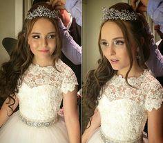 Cristais, carruagem, 3 vestidos: 17 extravagâncias dos 15 anos de Larissa Manoela - Bolsa de Mulher