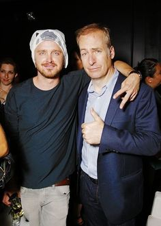 Aaron Paul and Bob Odenkirk attend the Bates Motel and THR party at San Diego Comic Con Breaking Bad. Breaking Bad Funny, Bates Motel Season 4, Breakin Bad, Jonathan Banks, Vince Gilligan, Best Tv Series Ever, Aaron Paul, Life Of Crime, Best Dramas