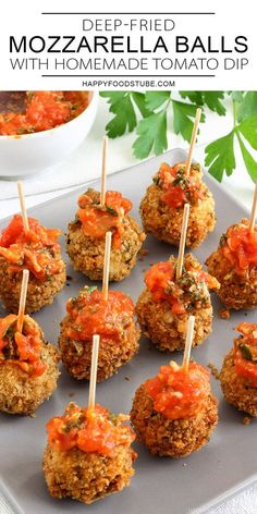 These Deep Fried Mozzarella Balls With Homemade Tomato Sauce Are Perfect For Any Party. Fresh On The Outside, Juicy On The Inside And Simply Delicious. Speedy And Easy Party Food Ideas. New Years Appetizers, Healthy Appetizers, Appetizers For Party, Appetizer Recipes, Snack Recipes, Yummy Recipes, Recipies, Dinner Recipes, Yummy Food